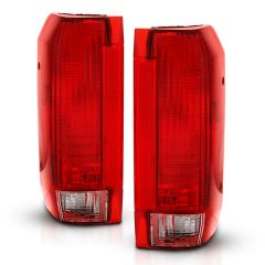 FORD BRONCO 92-96 F-150 92-97 F-250 SUPER DUTY 92-97 TAILLIGHT RED/CLEAR LENS (OE REPLACEMENT)